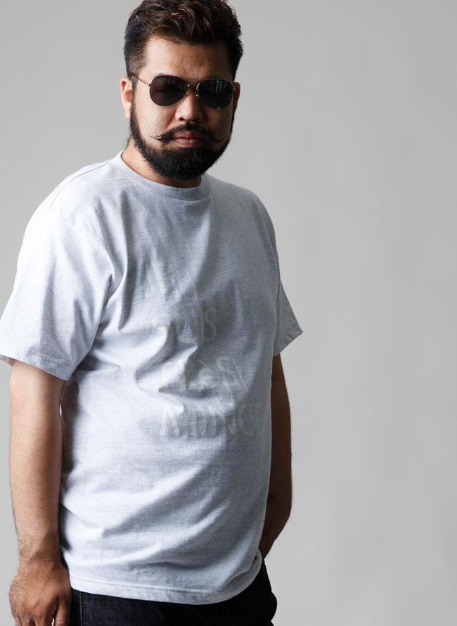 【当店オリジナル】白文字プリントTシャツ