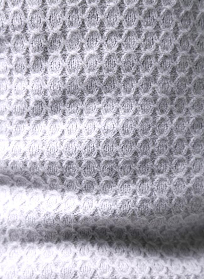 大きいサイズニットセーターメンズベストCAPRI(カプリ)ワッペン付きアンゴラ混日本製限定1点2L(50)3L(52)灰色秋冬