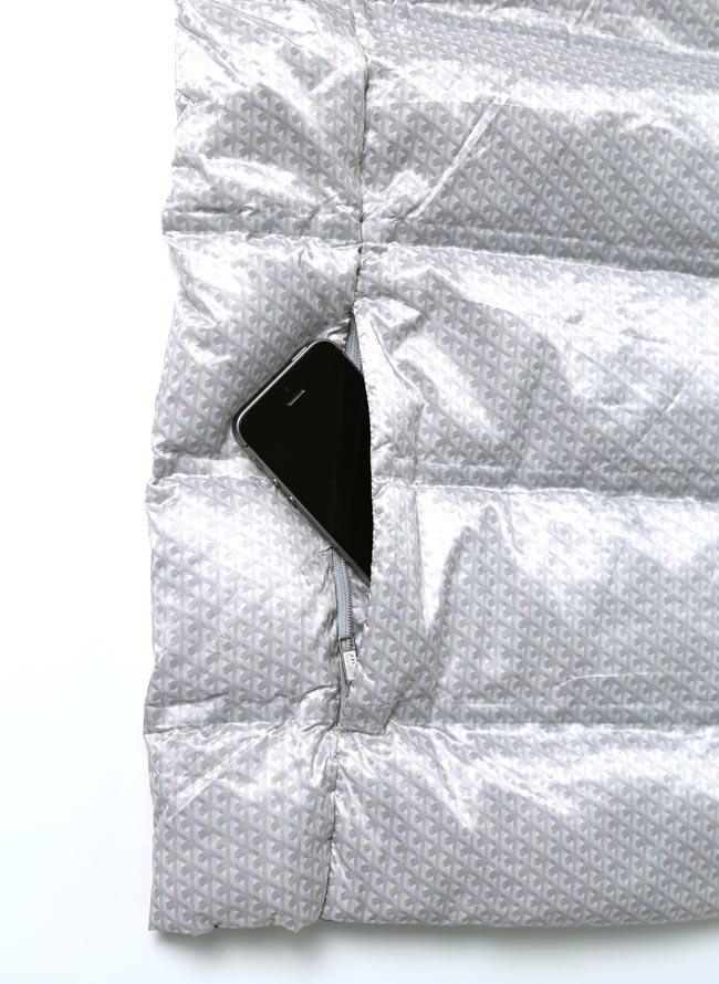 大きいサイズダウンベストメンズベストCAPRI(カプリ)シームレス超軽量ダウン90%ワッペン付き2L(50)3L(52)灰色黒秋冬